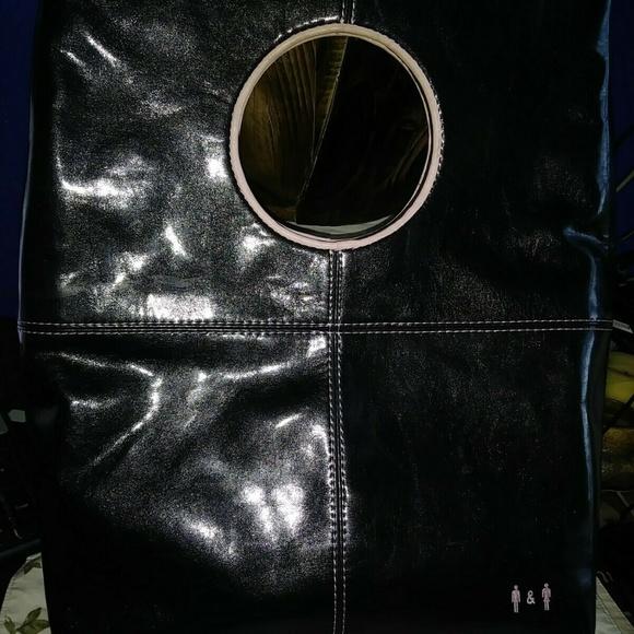 ViaVegan, Ltd Handbags - 100% PVC VEGAN Handbag! RARE Style City-Style